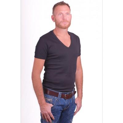 T shirt met diepe v hals van garage in het zwart. 100 % katoen. productcode   0304